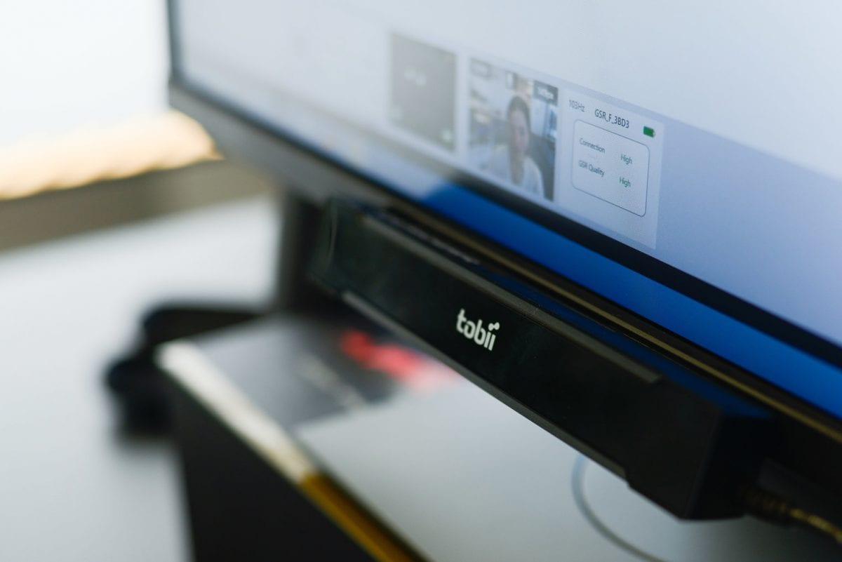 Screen-based eye tracker