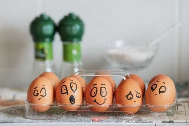 faces-eggs